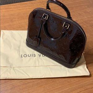 Louis Vuitton Amarante Alma PM bag. EUC. dust bag